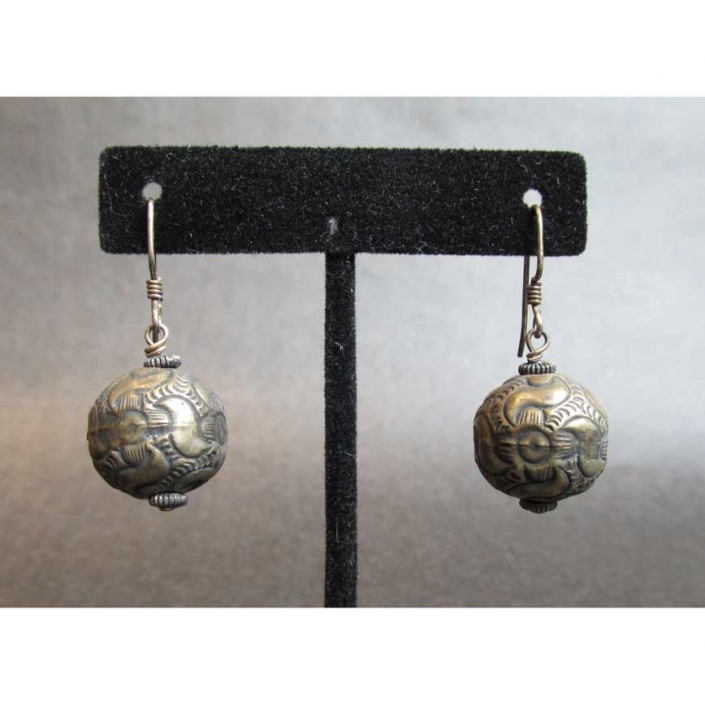 Vintage-Ball-Earring